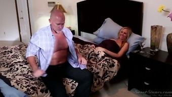 Exceptionally intercourse by using sexually incurred pale milf Julia Ann