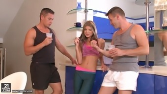 Attractive Doris Ivy possesses a marvelous moment along with a a handful of cocks