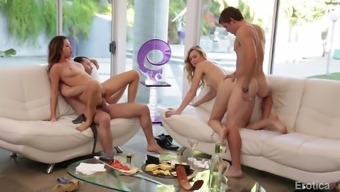 Dual online dating hotties possess an erotic foursome using their men