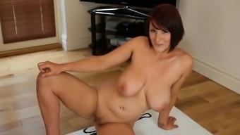 Grimy Moving: Naked Big tits English man Remove