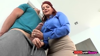 janet mason had him over on the barrier while you are this lady touched his cock