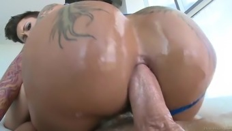 lovely bella bellz vegetation her addict booty on his shlong to have an anal cycle