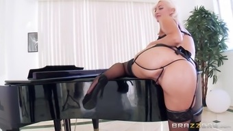 jenna ivory trying black lingerie and showing her ripe stupid ass