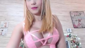 Busty amateur Alexis Adams cums on her major goblet things