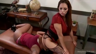 black thot with the use of phat booty lisa tiffian gets straponed by franceska le
