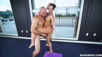 Health and fitness damsel Jada Stevens savours getting a rapid at the gym