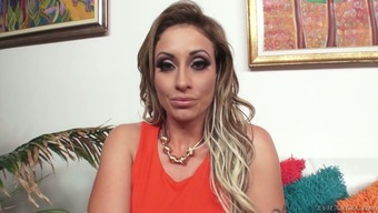 Sperm captivated cougar Eva Notty is kissing her lover's lift POV form