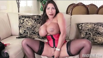 Nympho Ava Devine Can take Dildo in their Butt