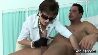 Disloyal uk mature lady sonia screens her massive bo
