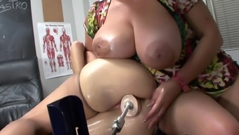 Blond mama is becoming dildo in her puss