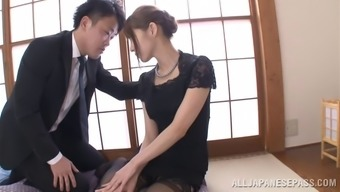 Japanese mother trying stockings savours some lively banging