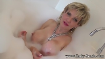 Sonia wants that you definitely orgasm on her titties while she takes a bath