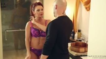 Big breasted ginger MILF Janet Mason gives HJ to really unadorned man when they take bathe