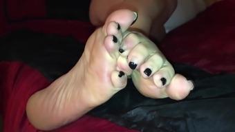 Maura's volume five.5 wrinkley stinky feet