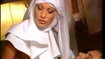 Conversational italian Nun M27