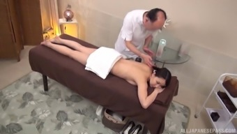 A most sexual way of massage therapy regarding the skinny Japanese people demoiselle