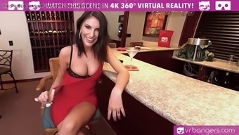 VR PORN-AUGUST AMES Make a Top class BLOWJOB Along at the BAR