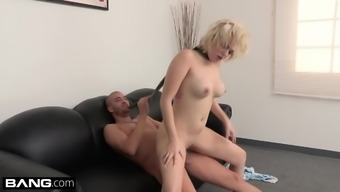 Value Driving them away - PAWG Jenna Pink Twerks Her Method to A Facial