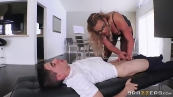 Big booty mommy in stockings seduces younger bf