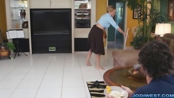 Jodi European - Personal Mom is Heated