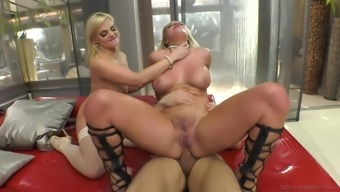 Unquenchable blondes Sienna Daytime and Katy Jayne generate a man cum