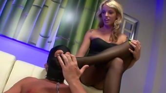 Blond walk wants to dominate