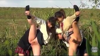 japanese people peeing 1