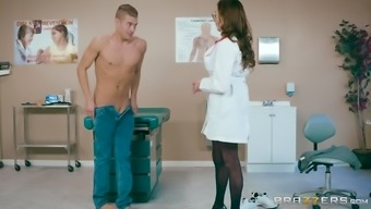 Ariella Ferrera is a great breasted physician who exactly loves driving a lift