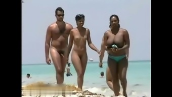 Great naturally-occuring titties ebony on shore