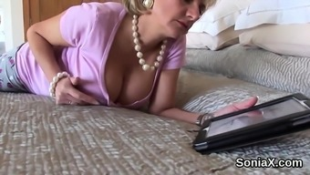 Disloyal your native language milf woman sonia shows her big puppies35V
