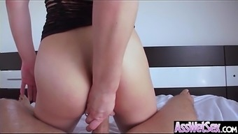Big Butt Krown (Dahlia Atmosphere) Get Oiled Up And Hard Analy Nailed On Cam mov-19