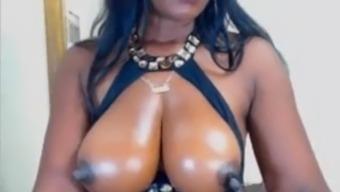 Black Big Tits Big Nipples Milking Webcamera