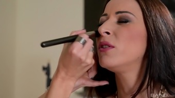 Martina Gold distributes her legs at once to produce a man's engorged penile