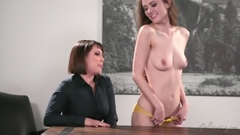 Shyla Jennings and her two buddies be able to get to masturbate in the classroom
