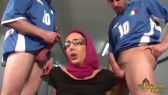 Akila Bouachir - Muslim woman gets pounded