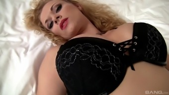 Bald stud you like gorgeous Anita Bomb shell by fucking her tense booty