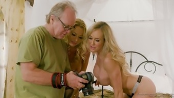 Legitimate well-known porno occasional actress Julia Ann in offstage xxx meeting