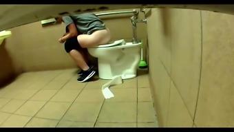 Sexy Toilet Girl 22