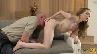 Daddy4k. curious babe wanted to see cock of her boyfriend&#39s father