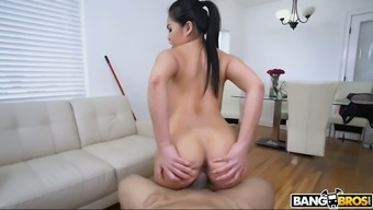 Attractive slender babe Cindy Starfall is totally into lively on solid elevate