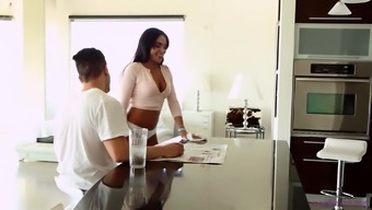Brunette dame Selena Santana gets her manual a undead pecker