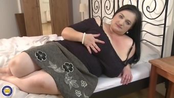 Mature Stefanka C. enjoys a big dick in a hot one on one action
