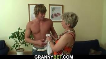 Hotlooking guy doggyfucks 60 years old woman