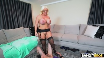 Tall MILF Alura Jenson can't linger to clench which typically penis inside of her