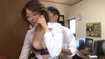 Heated mature hooker with the use of substantial honkers in great action