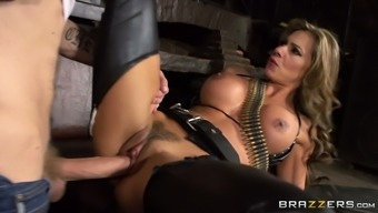 Esperanza Gomez is a must visit bombshell who knows the best way to fuck sexily