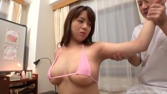 Big tits Mishima Natsuko results in letting a friend to use with her tits