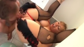 Busty Black Butt To actually Entrance 2(two)